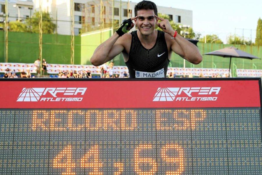 Hortelano hace 44.69 en 400 y destroza el récord de Cornet