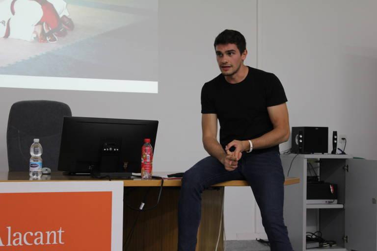La UA impulsa un programa de emprendimiento y especialización en gestión e innovación deportiva